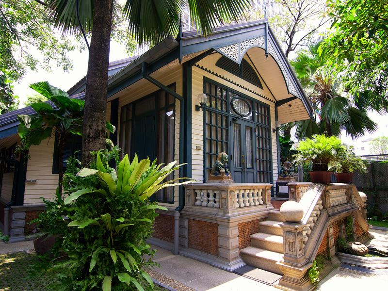 Bangkok Gay Hotel | Bed & Breakfast Babylon Bangkok Thailand